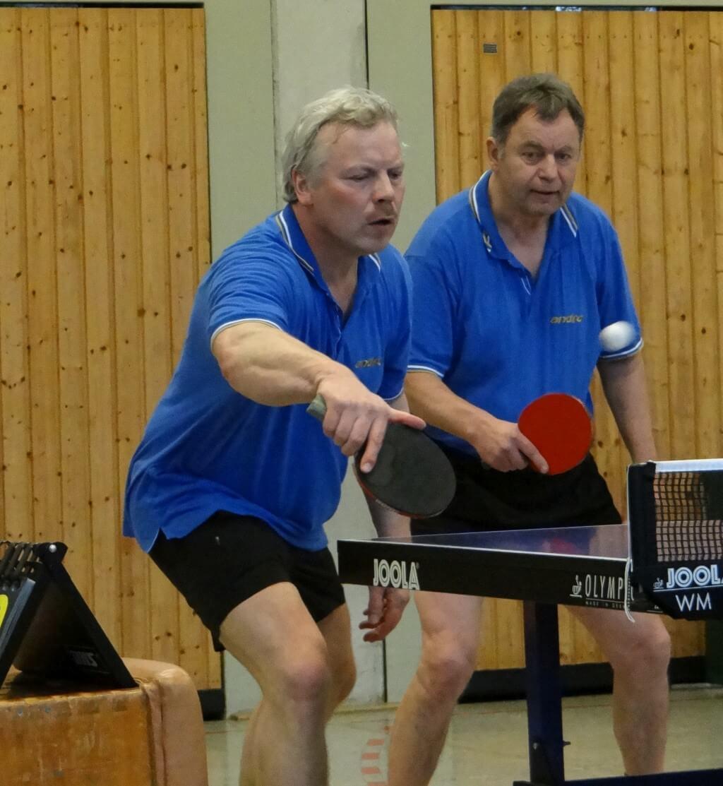 Dank seiner Doppelstärke holte die I. Herren drei Punkte am Wochenende. Jürgen Pickny (li) und Friedhelm Schulz gewannen sowohl gegen Veerßen als auch in Holdenstedt