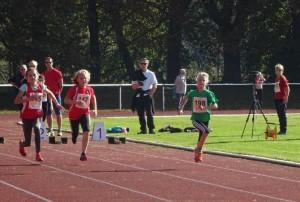 50 m Sprint der W10   (© Ra)
