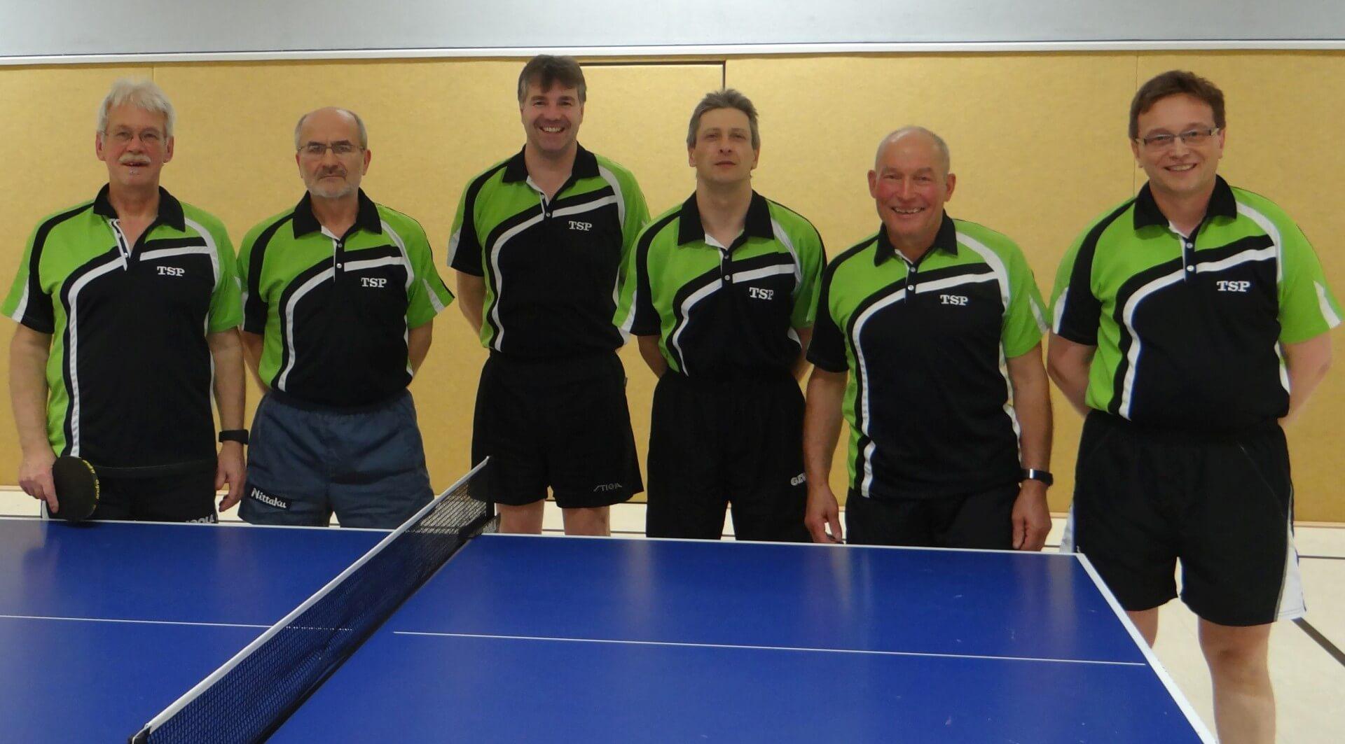Die Meistermannschaft des TuS Soltendieck II von links nach rechts : Eckhard Köhnecke, Konstantin Müller, Rüdiger Lilje, Rainer Krebel, Christian Fauteck und Olaf Müller