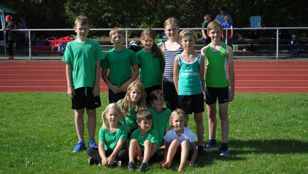 Junge Leichtathleten des TuS Soltendieck und des TSV Wieren