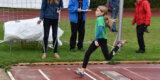 Jella Ebeling meistert Schülerbestenkämpfe mit neuen Bestleistungen